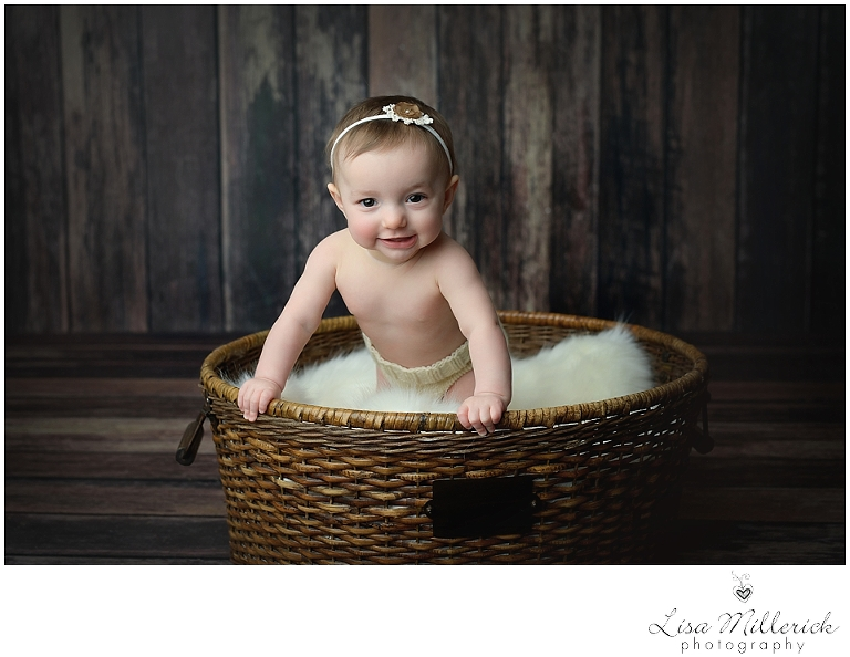 basket baby girl wood
